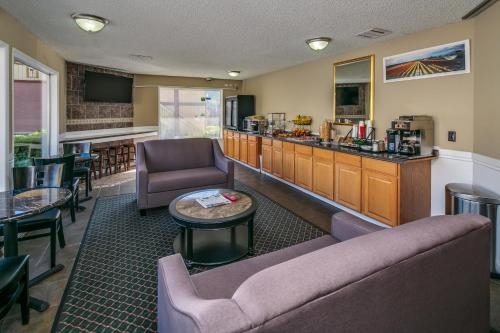Coachman Inn - Bellingham, WA 98225