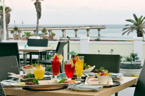 The Beach Hotel Photo