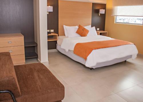 Hotel Corona Real Photo