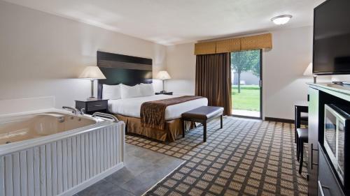 Best Western Beacon Inn - Grand Haven, MI 49417