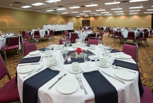 Holiday Inn Sarnia Hotel & Conference Centre Photo