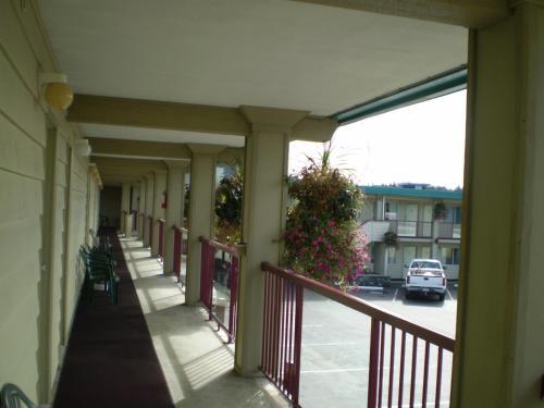 Town Centre Inn - Campbell River, BC V9W 3A6