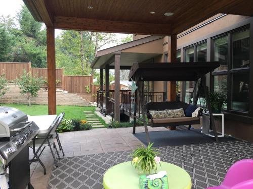 Mia's Home - Coquitlam, BC V3C 3N2