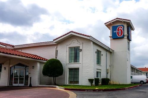 Motel 6 Euless - Dfw West - Euless, TX 76040