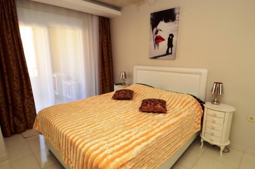 3530 Dolce Vita, Mahmutlar
