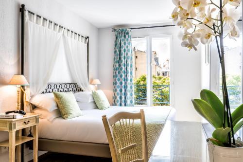 Villa Alessandra - H U00f4tel  9 Place Boulnois 75017 Paris