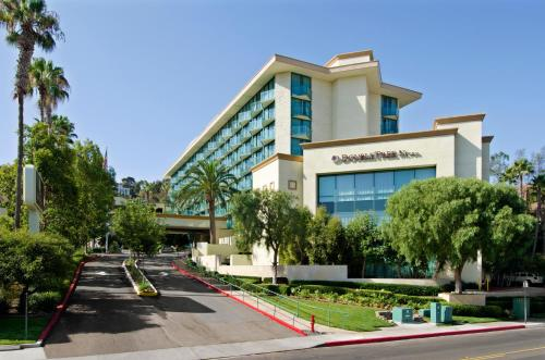 DoubleTree By Hilton San Diego Hotel Circle Photo