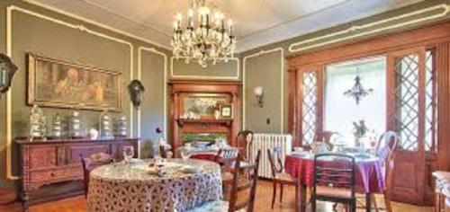 600 Main A Bed & Breakfast And Victorian Tea Room - Toms River, NJ 08753