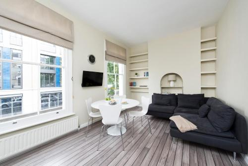 2 Bedroom Portobello Apartment Near Notting Hill