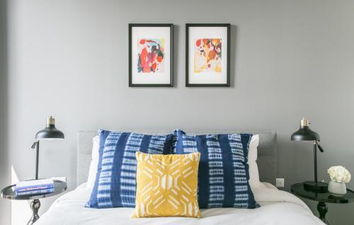 Two-bedroom On N Milwaukee Avenue Apt 409