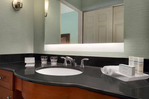 Homewood Suites By Hilton Grand Rapids - Grand Rapids, MI 49546