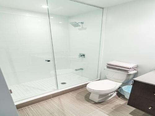 Pinnacle Suites - 3br Penthouse - Toronto, ON M5V 0N7