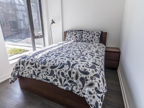 Pinnacle Suites - 2bed Suite - Toronto, ON M5V 0L6