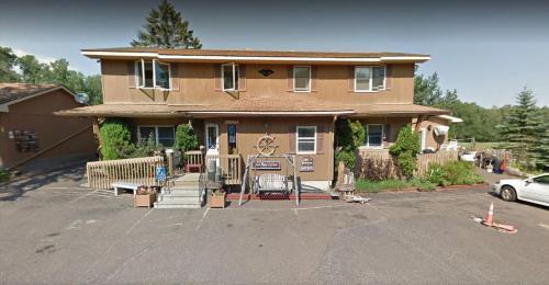 Lake Breeze Motel Resort