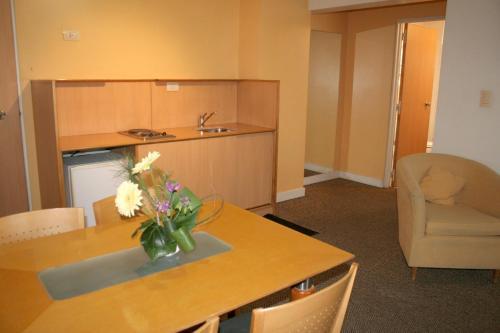 Urbana Suites Photo