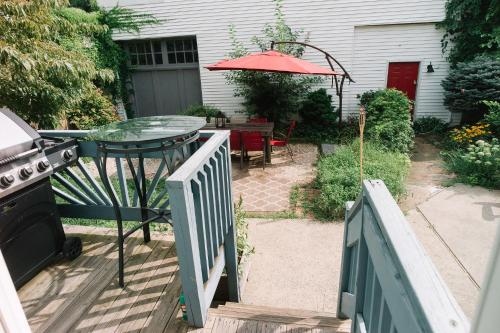 Monks House- Yale/new Haven - New Haven, CT 06511