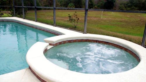 Mickey's Holiday Home - Davenport, FL 33896