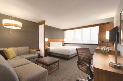Hyatt Place Chicago O'Hare Airport Photo