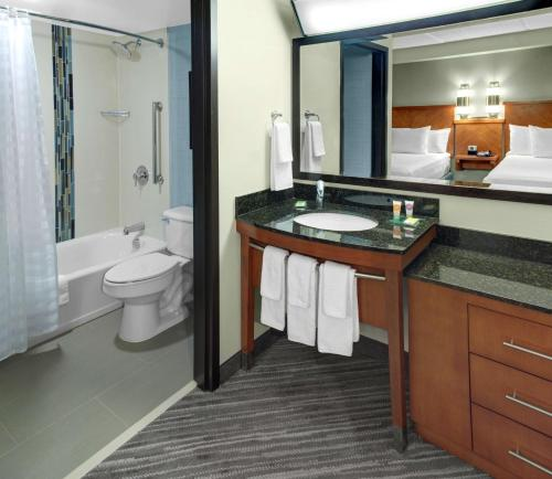 Hyatt Place Cleveland Independence Photo
