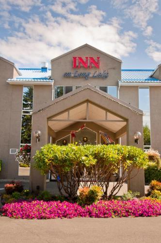 Inn On Long Lake - Nanaimo, BC V9T 1W6