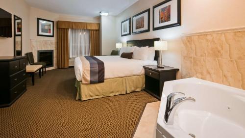 Best Western Wainwright Inn & Suites Photo