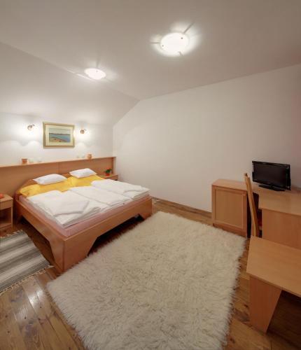 Piroš Čizma Guest House