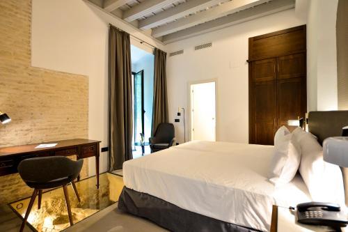 Superior Double or Twin Room Legado Alcazar 16