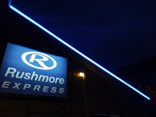 Rushmore Express & Suites