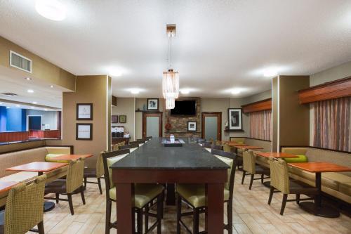 Hampton Inn Somerset - Somerset, PA 15501