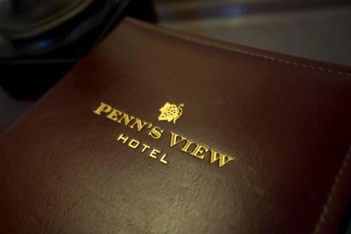 Penn's View Hotel Philadelphia Photo