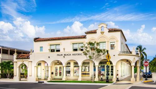 Palm Beach Historic Inn Hotel