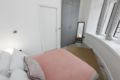 Luxury Apartments in Kensington photo 19
