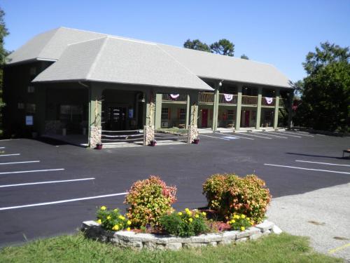The Lodge - Eureka Springs, AR 72632