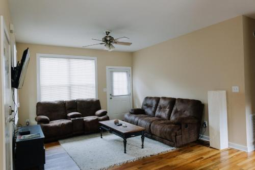 The Yellow House - Athens, GA 30601