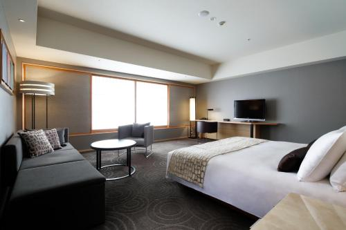 The Capitol Hotel Tokyu photo 80