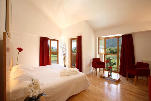 Superior Double Room Tierra de Biescas 7