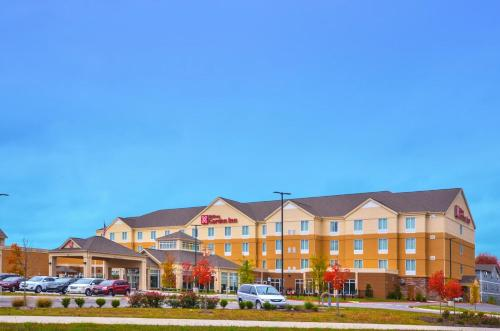 Hilton Garden Inn and Fayetteville Convention Center Photo