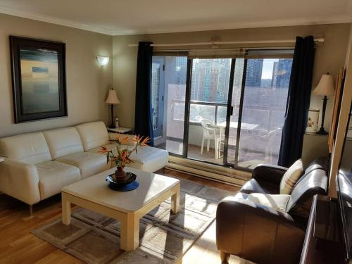 Central Downtown Apartment With An Amazing View - Vancouver, BC V6E 4K2