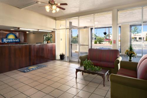 Days Inn Santa Fe Photo