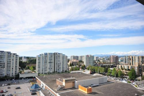 Comfortable 3bdr 2ba Condo In Central Richmond - Richmond, BC V6Y 4B2