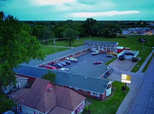 Guest House Motel Chanute - Chanute, KS 66720