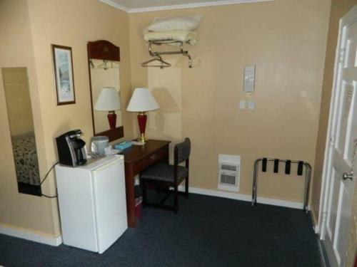Belle Isle Motel - Bar Harbor, ME 04609