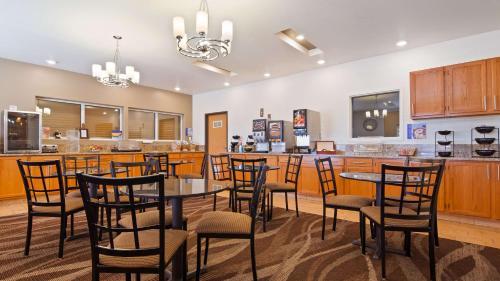 Best Western Firestone Inn & Suites Photo