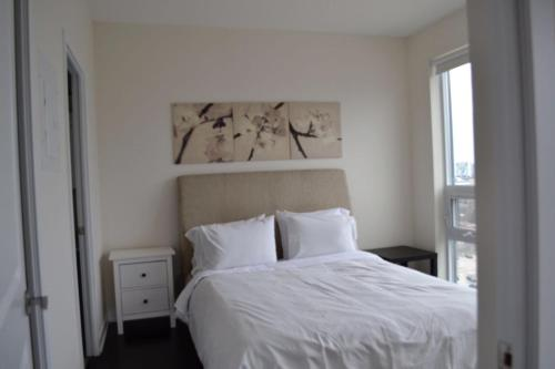 Atlantic Square Suites - Mississauga, ON L5B 0G3