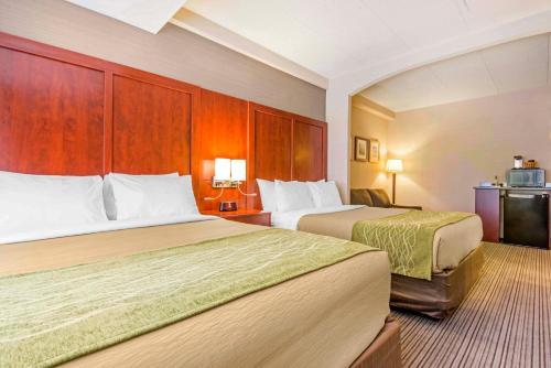 Comfort Inn & Suites Collingwood Photo