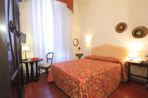 Via Romana 34, 50125 Florence, Italy.