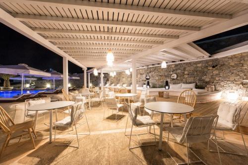 Korfos, Mykonos 84600, Greece.