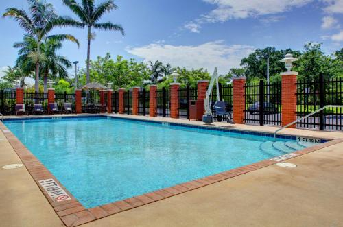 Hyatt Place Fort Lauderdale Airport/Cruise Port Photo