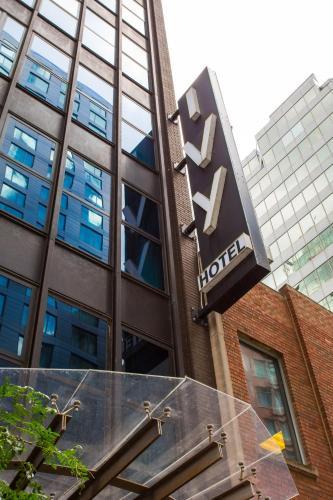 233 E Ontario Street, Chicago, Illinois 60611, United States.