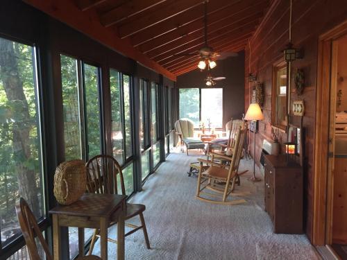 Journey's End- Lake Nottely Area/blairsville - Blairsville, GA 30512